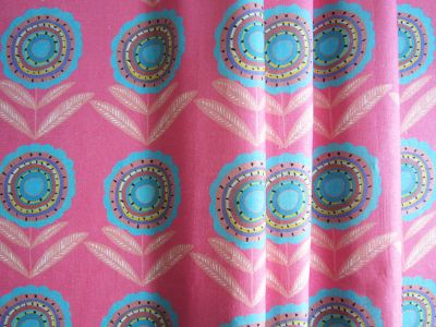 Big Daisy Pink Turq 45cms Medium Pink And Turquoise Curtain Fabric